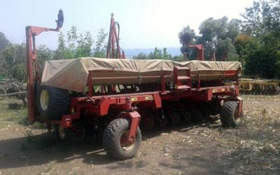 Planter Giorgi Precisa 8000 from 12 to 52 with large hopper fertilizer year 2006